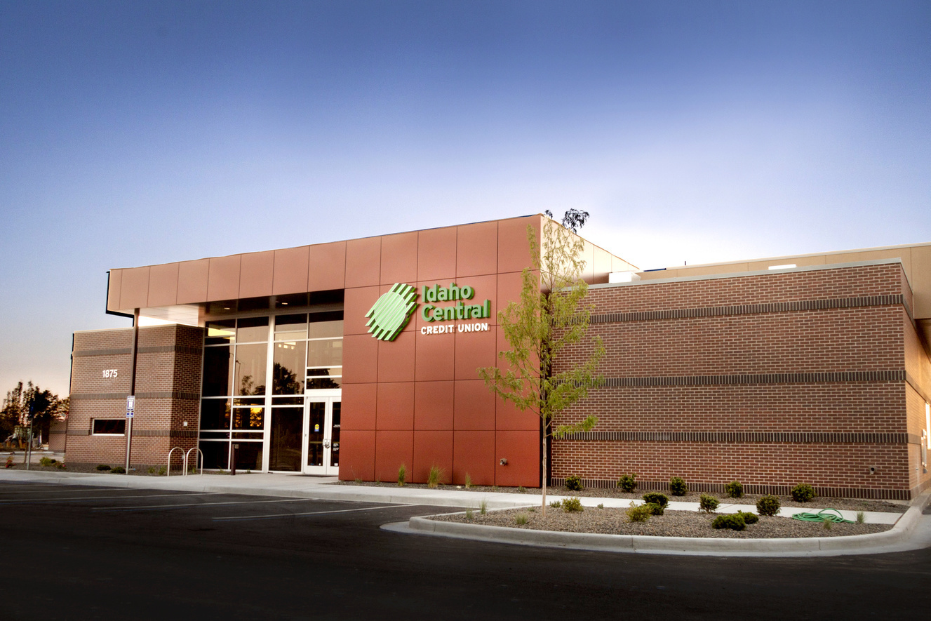 twin falls blue lakes branch & atm - idaho central credit union